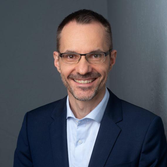 Bernhard Schmidt Commercial Innovation Leader, Roche Diabetes Care