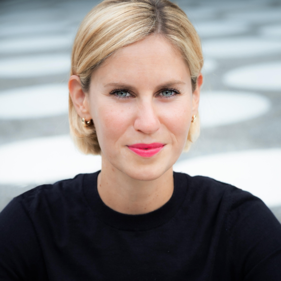 Dr Eva Elisa Schneider